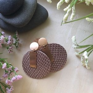 Jewelry - LAST PAIR ! Circle drop faux leather earrings